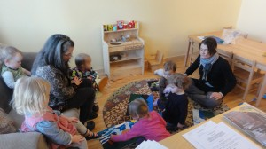 The children and caregivers enjoy telling stories with the felt sets.